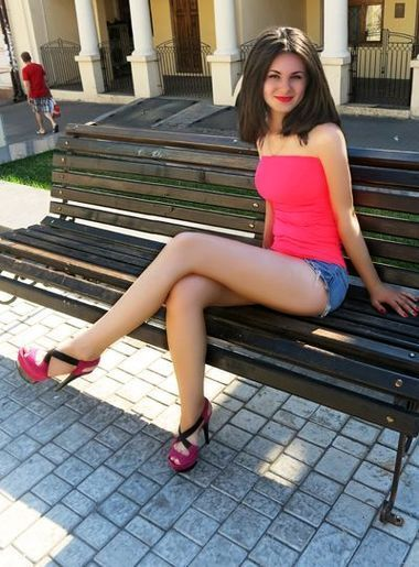 chat with women online Marina