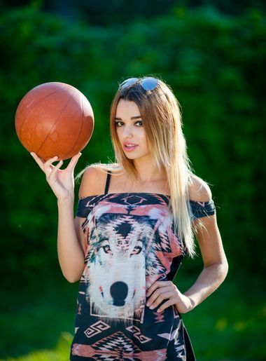 flirt dating Polina